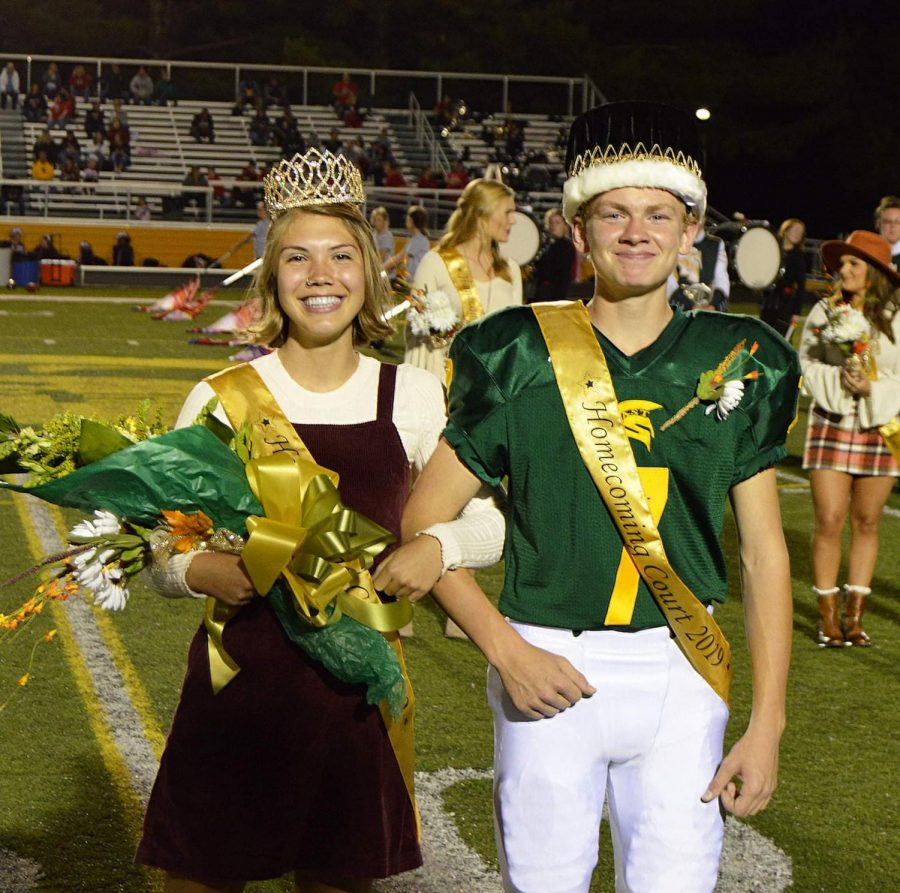 Homecoming King and Queen Owen Vogelsong and Izzi Anderson