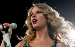 """Navigation to Story: """"Fearless (Taylor's Version)"""" Is Finally Here"""